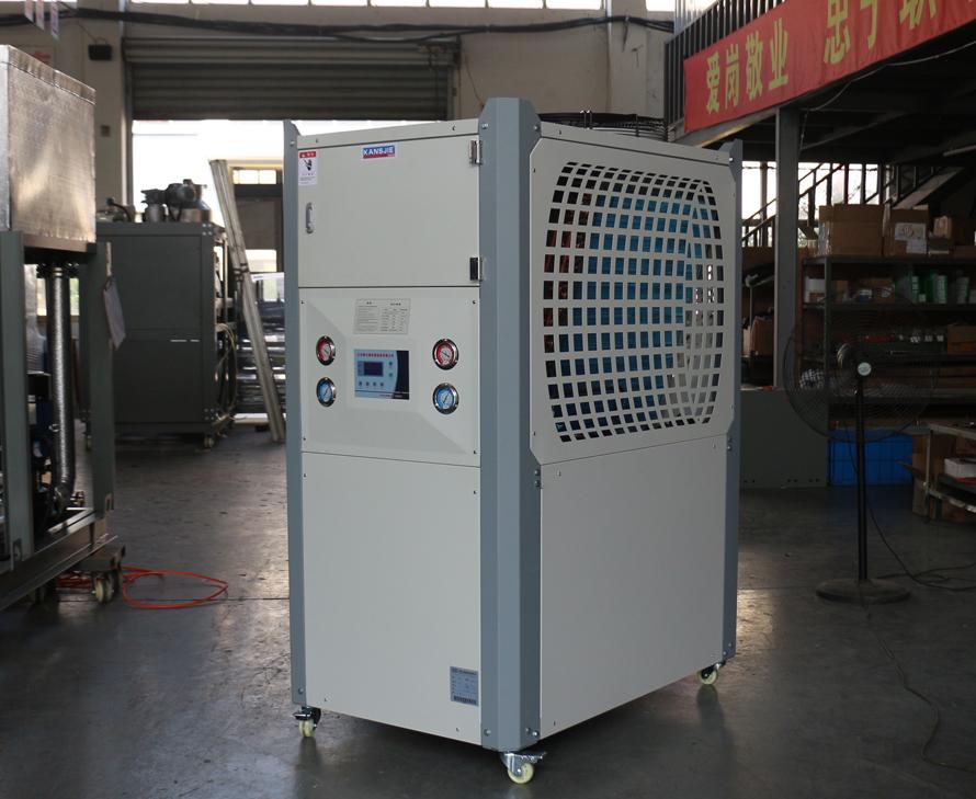 8P风冷式工业冷水机