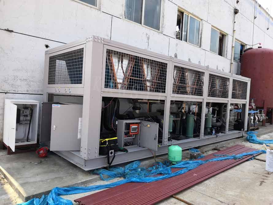 化工行业油冷却用220HP风冷低温螺杆式油冷却机组工程案例