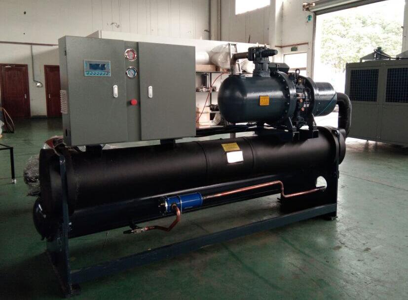 水冷螺杆式工业冷水机组实际操作中要注意的问题